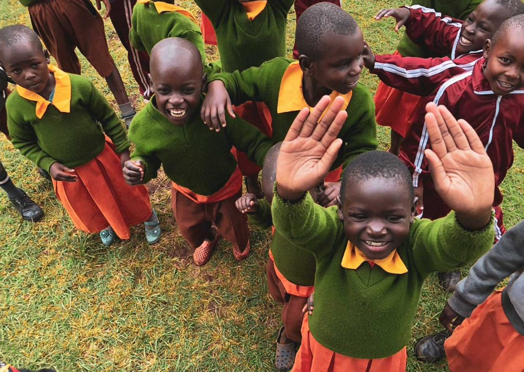 bambini delle scuole in kenya di alice for children