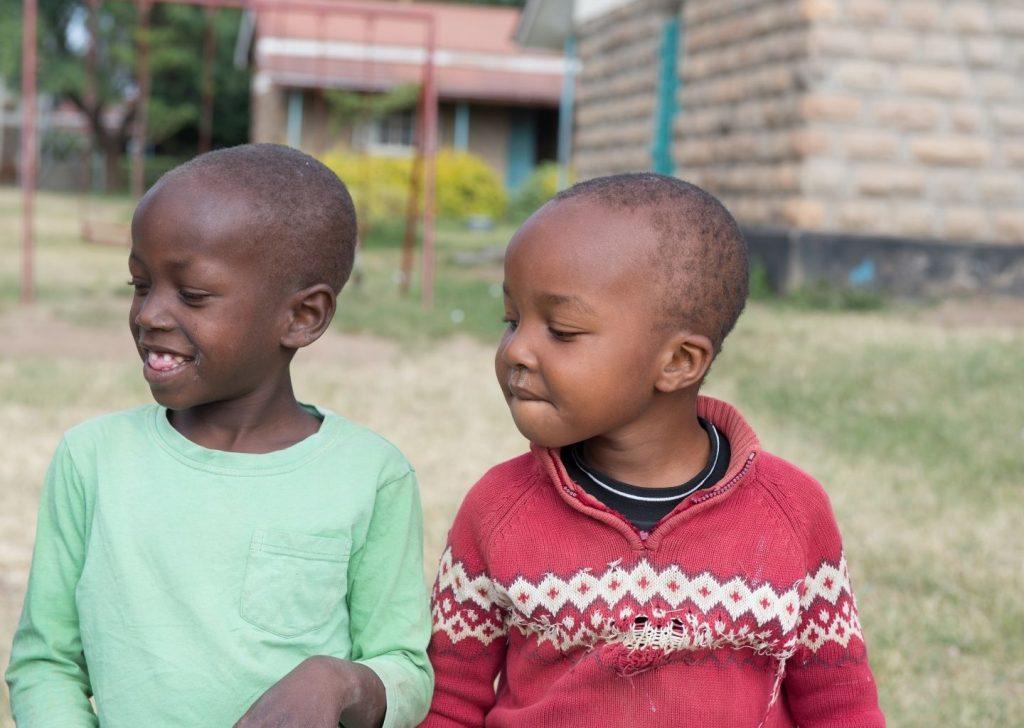 adozione a distanza per i bambini orfani